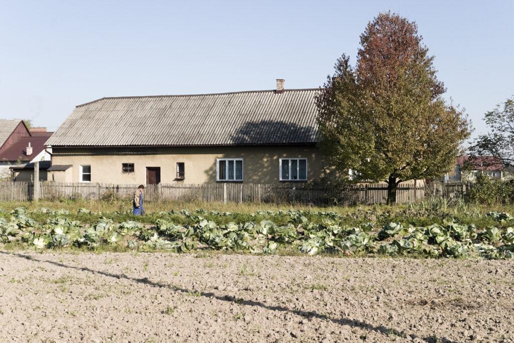 Elément de la cuisine du camp de concentration de Monowitz, aujourd'hui une petite ferme. Collection : Hans Citroen.