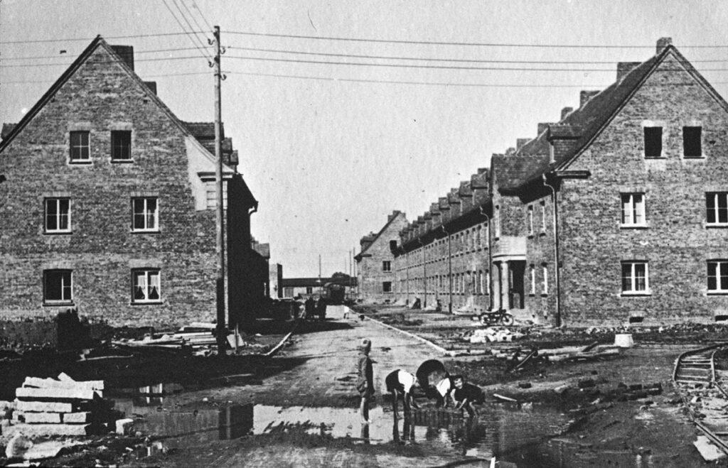Construction du nouveau quartier résidentiel de IG Farben en 1942-1943. Collection : Bundesarchiv