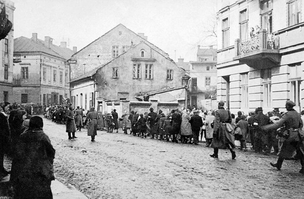 Déportation de la population juive de Oświęcim en mars 1941. Collection : Hans Citroen