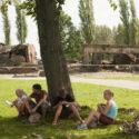 A l'arrière-plan, ruines du soi-disant Bunker II, une des cinq chambres à gaz de Birkenau (2007). Collection: Hans Citroen